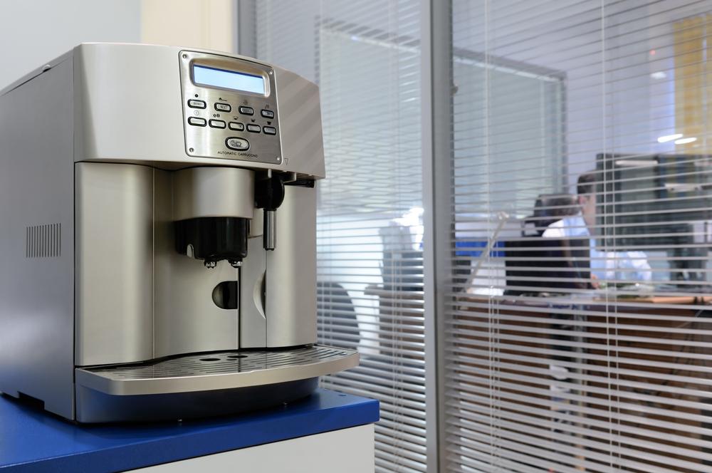 Kleiner Kaffeevollautomat für das Büro