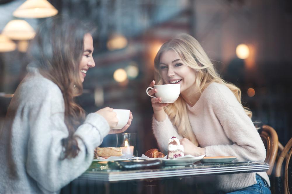 Gäste im Café